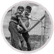 1950s Two Farm Boys In Striped T-shirts Round Beach Towel