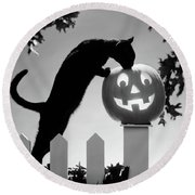 1970s Black Cat And Jack-o-lantern Round Beach Towel