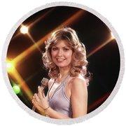 1970s Smiling Blond Female Vocalist Round Beach Towel