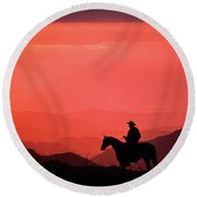 1980s Silhouette Of Anonymous Cowboy Round Beach Towel