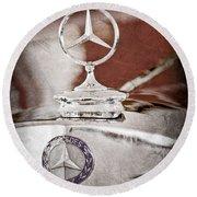 1937 Mercedes-benz Cabriolet Hood Ornament - Emblem Round Beach Towel