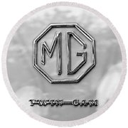 1959 Mg A Twin-cam Coupe Emblem Round Beach Towel