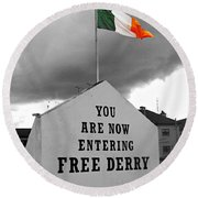 Free Derry Wall Round Beach Towel