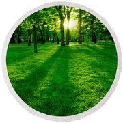 Green Park Round Beach Towel