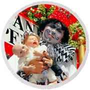 Round Beach Towel featuring the photograph 2 Heads Are Better Than One by Ed Weidman