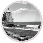Lighthouse On A Cliff, Split Rock Round Beach Towel