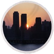 Round Beach Towel featuring the photograph Morning On The Hudson by Lilliana Mendez