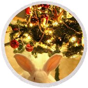 New Zealand White Rabbit Under The Christmas Tree Round Beach Towel