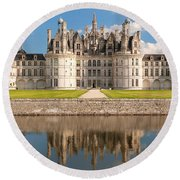 Reflection Of A Castle In A River Round Beach Towel