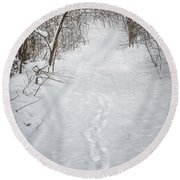 Snowy Winter Path In Forest Round Beach Towel