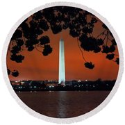 Round Beach Towel featuring the photograph Washington Monument by Suzanne Stout