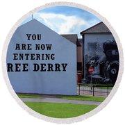 Free Derry Corner 3 Round Beach Towel