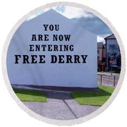 Free Derry Corner 4 Round Beach Towel