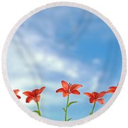 9 Lilies Round Beach Towel