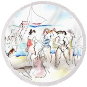 A Busy Day At The Beach Round Beach Towel