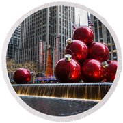 A Christmas Card From New York City - Radio City Music Hall And The Giant Red Balls Round Beach Towel