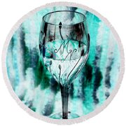 A Glass For Mn Round Beach Towel