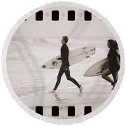 Round Beach Towel featuring the photograph A Good Day To Surf by Alice Gipson