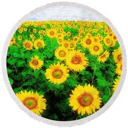 A Sunny Day With Vincent Round Beach Towel