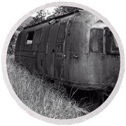 Abandoned Airstream In The Jungle Round Beach Towel