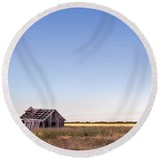 Abandoned Farmhouse In A Field Round Beach Towel