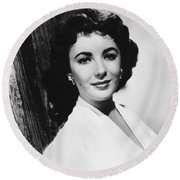 Actress Elizabeth Taylor Round Beach Towel by Underwood Archives