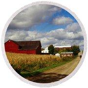 Amish Farm Buildings And Corn Field Round Beach Towel