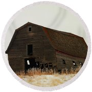 An Old Leaning Barn In North Dakota Round Beach Towel