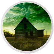 An Old North Dakota Farm House Round Beach Towel