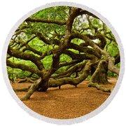 Angel Oak Tree Branches Round Beach Towel