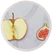 Apple And Fig Round Beach Towel