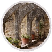 Arches Of San Jose Round Beach Towel