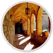 Archway By Courtyard In Castello Di Amorosa In Napa Valley-ca Round Beach Towel