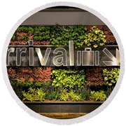 Arrival Sign Arrow And Flowers At Singapore Changi Airport Round Beach Towel
