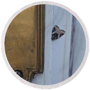 Arrowhead Doorbell Moth Round Beach Towel
