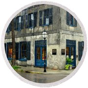 Round Beach Towel featuring the photograph Art Gallery In The Rain by Rodney Lee Williams