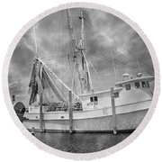 At Rest In The Harbor Round Beach Towel