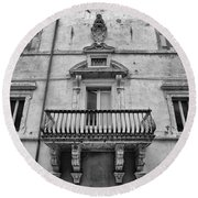 Balcony In Assisi Round Beach Towel