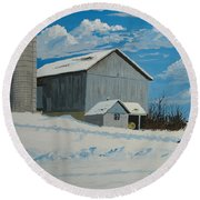 Barn And Pheasant Round Beach Towel
