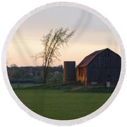 Barn At Dusk Round Beach Towel