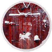 Barn Door In Winter Round Beach Towel