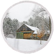 Barn In Winter Round Beach Towel