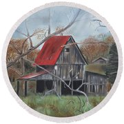 Barn - Red Roof - Autumn Round Beach Towel