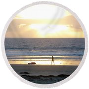 Beachcomber Encounter Round Beach Towel