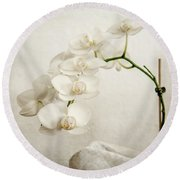 Beautiful White Orchid II Round Beach Towel