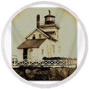 Beaver Harbour Lighthouse Nb Round Beach Towel