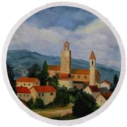 Bell Tower Of Vinci Round Beach Towel