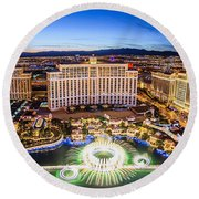 Bellagio Rountains From Eiffel Tower At Dusk Round Beach Towel