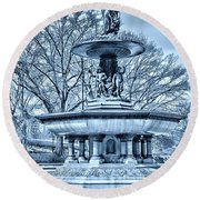 Bethesda Fountain In A Cool Tone Round Beach Towel