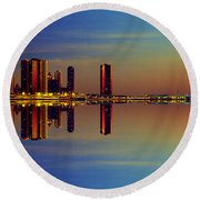 Between Night And Day Chicago Skyline Mirrored Round Beach Towel